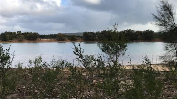 Olio Bello Glamping Pond View