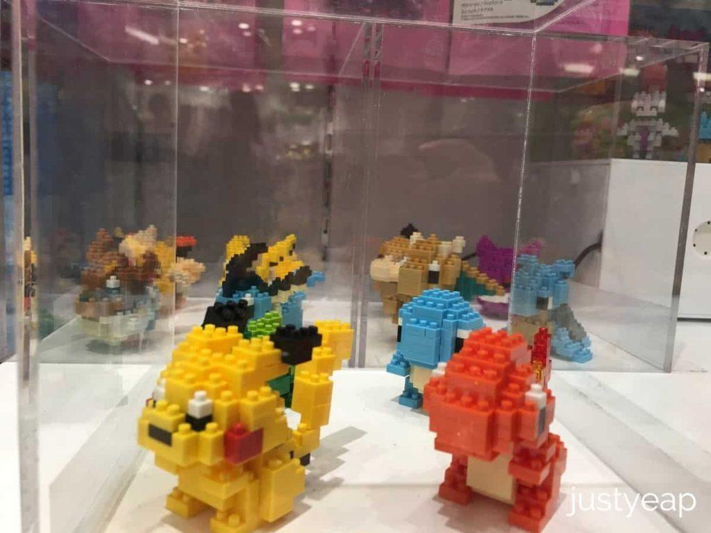 Pokemon-Center-Miniature-Lego
